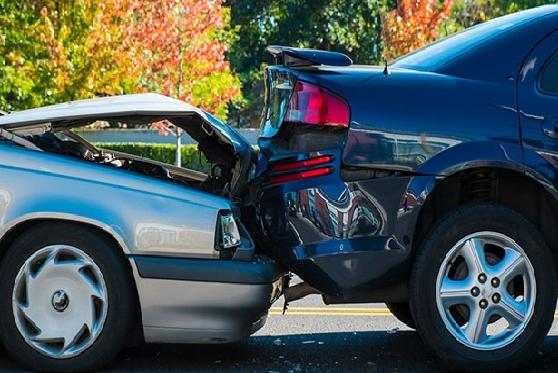 העליון מבהיר: האם פגיעה תוך כדי הוצאת מטען מרכב היא תאונת דרכים?, צילום: istock