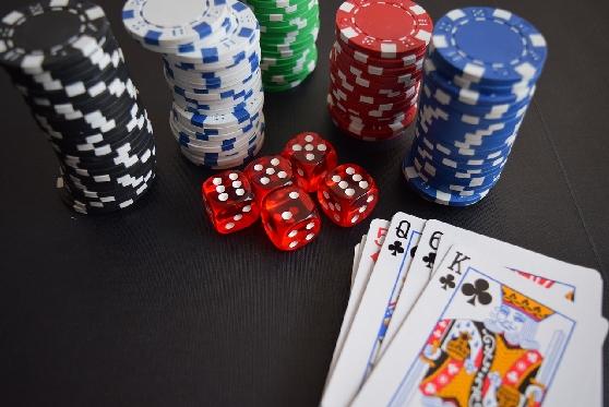 """העליון: שחקן פוקר מקצועי שזכה במיליונים בחו""""ל ישלם מס על רווחיו"""