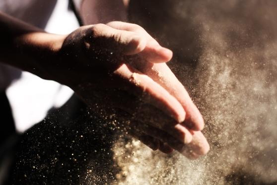 """תבע יצרני קמח על הפליה: כתבו על מוצריהם """"עבודה עברית"""""""