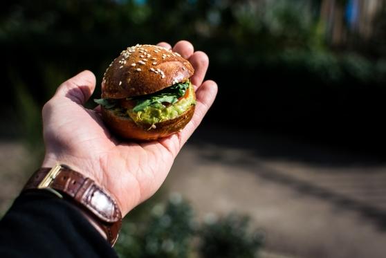 תבע את מקדונלד'ס: גילה כי הגדלת ארוחה אינה מגדילה את ההמבורגר