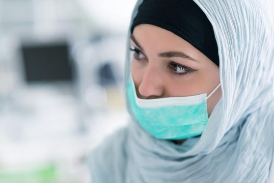 פיצוי לרופאת שיניים מוסלמית שנדרשה להסיר חיג'אב כתנאי קבלה לעבודה , צילום: istock
