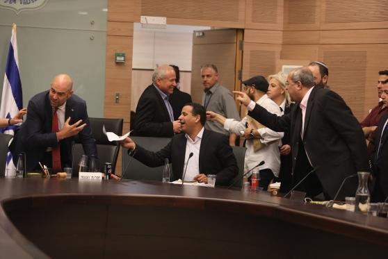 """חוק הלאום אושר לקריאה 2-3; הח""""כים הערביים: """"מותה של הדמוקרטיה"""""""
