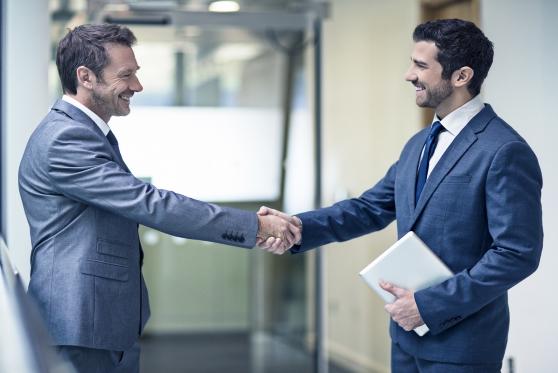 עורכי דין: איך תתנהלו נכון מול החברים למקצוע?, צילום: istock