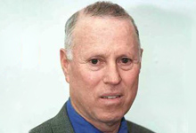"""עבודות שירות למפכ""""ל המשטרה לשעבר רפי פלד בגין קריסת חברות פלד-גבעוני"""