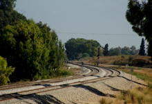 צעיר בן 22 נמצא ללא רוח חיים על פסי הרכבת כשגופתו חצויה? בטח התאבד