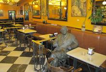 """מסעדה בבת ים תפצה סועדים שכונו על ידי המלצרית """"כושים"""" בטופס ההזמנה"""