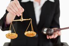 הוחמר עונשה של עורכת דין שהטרידה ואיימה על אישה שניהלה רומן עם בעלה