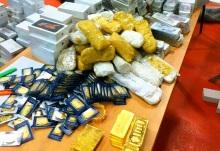 ניסיון הברחה חריג בהיקפו: קילוגרמים של זהב, סמארטפונים וחבילות סטרואידים
