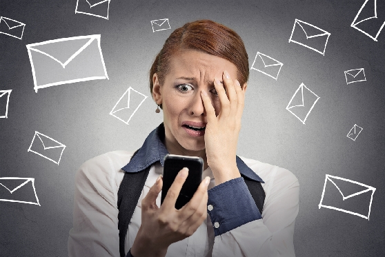 """הסוף לספאם? יו""""ר ועדת הבחירות אסר על שליחת מסרונים אנונימיים לבוחרים, צילום: istock"""