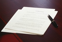 האם הזכות לפרטיות של נפטר גוברת על זכויות הקניין של יורשיו?