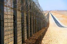 גדר הגבול שנבנתה נגד הסתננות מאפריקה לישראל דרך הגבול המצרי. צילום: ldobi