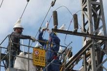עובדי חברת החשמל בשטח. צילום: באדיבות דוברות חברת החשמל