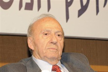 יוסף חריש. פברואר 2010 בכנס של לשכת עורכי הדין. צילום: הלשכה